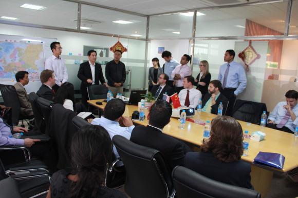 24-580x386 19 EMBA students from Columbia University Business School visited Amerisolar News