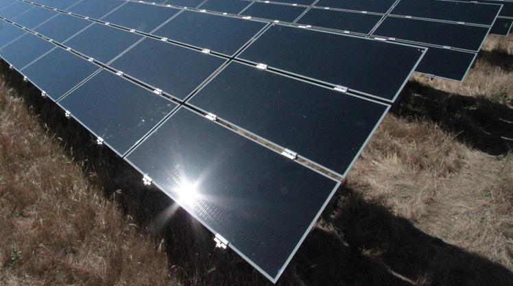balck-solar-panel Paneles Solares Negros
